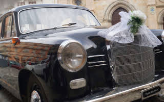 Mercedes 190 D Rent Basilicata