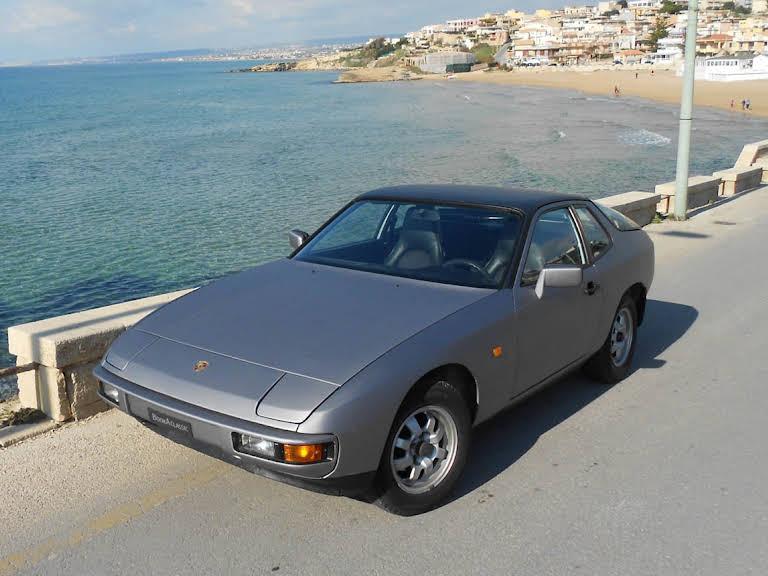 Porsche 924 2.0 Hire Vittoria
