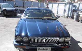 Jaguar Daimler Century  Rent Campania